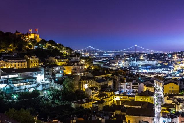 Những thành phố đẹp nhất khi khám phá về đêm - 17