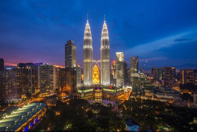 Những thành phố đẹp nhất khi khám phá về đêm - 4