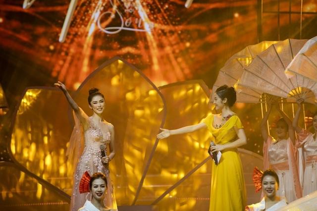 """Hát nhạc Trịnh, Hồng Nhung thú nhận từng nghĩ rằng: """"Mình hát hay nhất Việt Nam"""" - 23"""