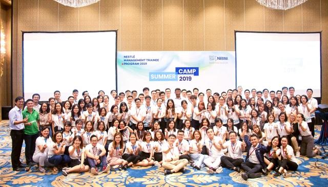 Liên tục nằm trong top 3 nơi làm việc tốt nhất Việt Nam - 2