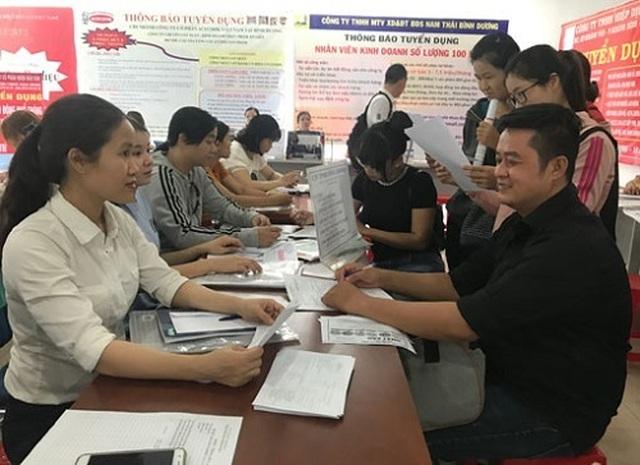 Bình Dương: Năm 2018, 97% lao động thất nghiệp được tư vấn, giới thiệu việc làm - 2