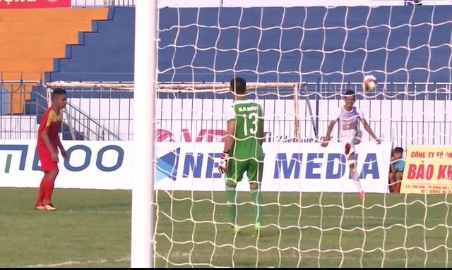 Cầu thủ Cần Thơ đá phản lưới nhà bị treo giò đến hết lượt đi - 1