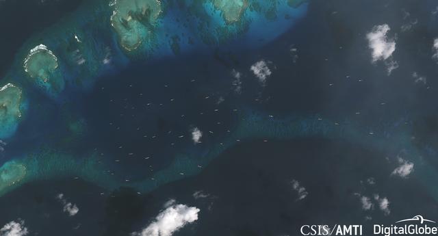 Trung Quốc ngang nhiên đưa 200 tàu áp sát đảo Thị Tứ - 1