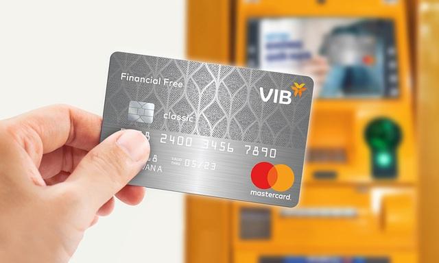 Thẻ tín dụng, lựa chọn tối ưu khi cần gấp tiền mặt - 2