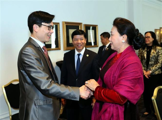 Chủ tịch Quốc hội gặp gỡ cộng đồng người Việt Nam tại Pháp - Ảnh minh hoạ 2