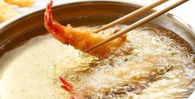 Tái sử dụng dầu ăn có thể kích hoạt ung thư vú lây lan - 1