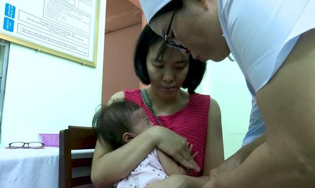 Quảng Ngãi:  Khan hiếm vắc xin 6 trong 1 - 2