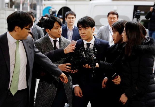 Cảnh sát tiết lộ Seungri thuê 8 gái mại dâm tại bữa tiệc sinh nhật năm 2017 - 3