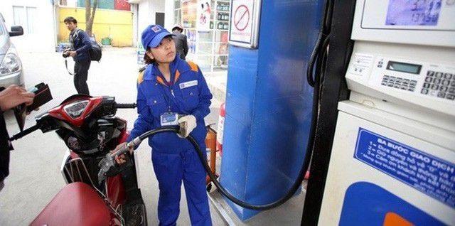 Thứ trưởng Bộ Công Thương: Giá xăng dầu tăng sốc là việc không ai mong muốn - 1