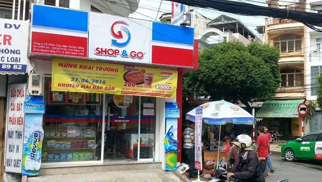VinCommerce nhận chuyển nhượng 87 cửa hàng ShopGo với giá 1 USD - 3