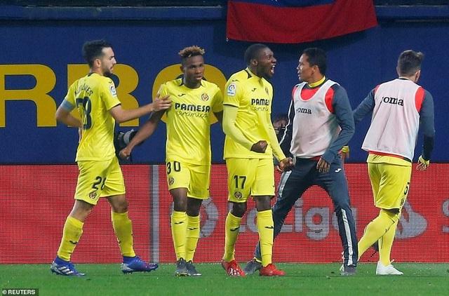 Villarreal 4-4 Barcelona: Messi, Suarez ghi bàn ở phút bù giờ - 6