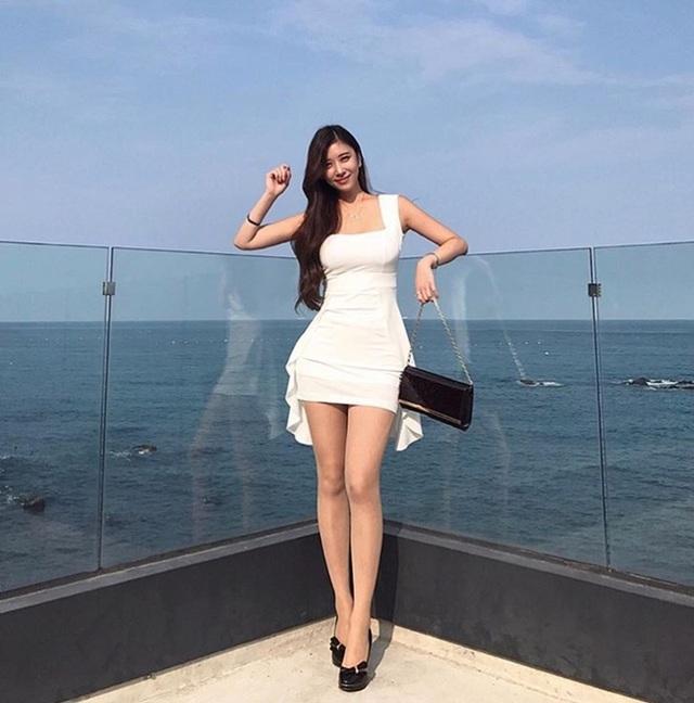 3 cô gái Hàn mặt ngây thơ, thân hình đẹp tới mức khó tin có thật - 4