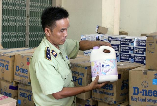 Phú Yên: Bắt giữ lô hàng giả, không rõ nguồn gốc trị giá hơn 1 tỷ đồng - 4