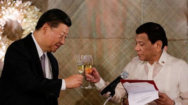 Ông Duterte nói muốn duy trì quan hệ với Trung Quốc vì cần vũ khí chống khủng bố - 1