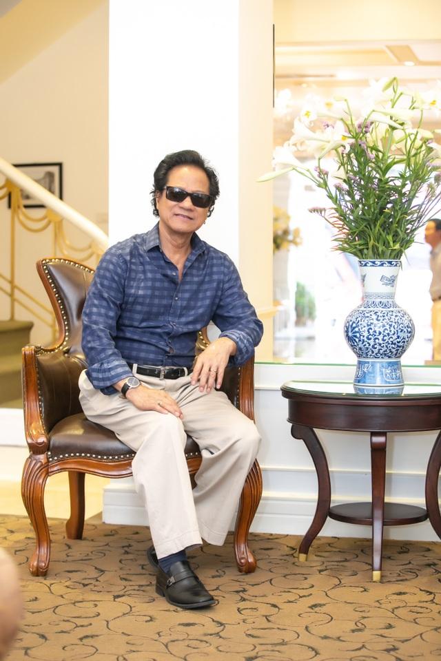 """Chế Linh tiết lộ về người phụ nữ quyền lực """"giữ chân"""" ông gần 50 năm qua - 1"""