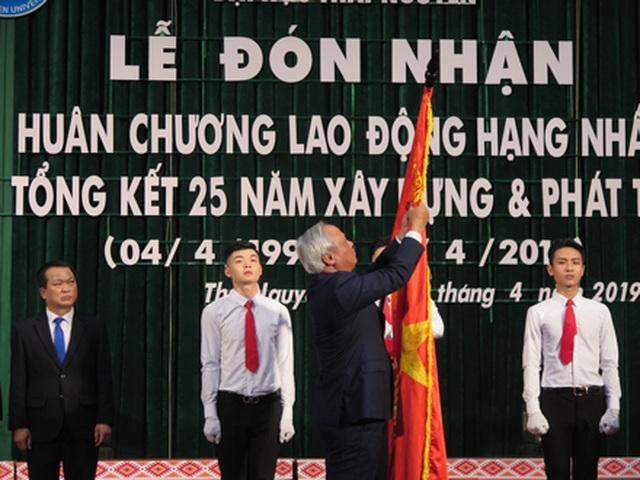 Đại học Thái Nguyên đón nhận Huân chương lao động hạng Nhất - 1