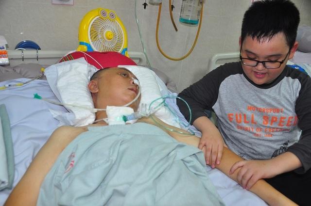 Đột nhiên bị chảy máu não, tính mạng người bố trẻ nguy kịch trong tiếng gọi thảm thiết của con - 7