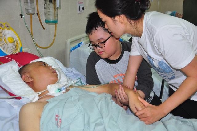Đột nhiên bị chảy máu não, tính mạng người bố trẻ nguy kịch trong tiếng gọi thảm thiết của con - 6