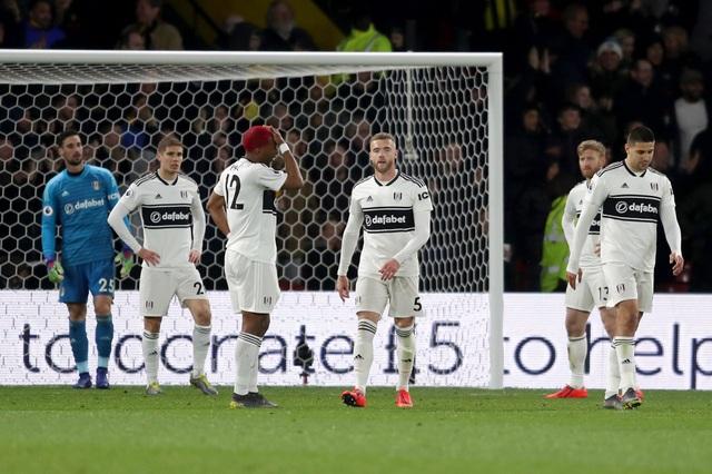 Xác định CLB thứ 2 phải xuống hạng ở Premier League - 1