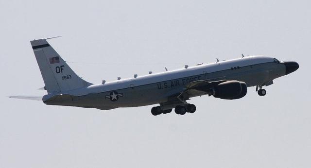 """Triều Tiên bị nghi sắp phóng tên lửa, Mỹ đưa máy bay """"đánh hơi"""" đến Nhật Bản - 1"""