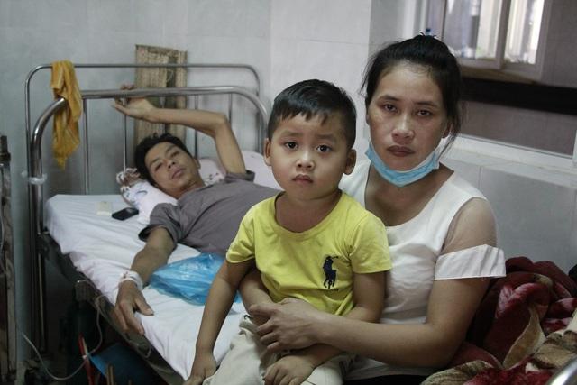 Cha nghèo mắc ung thư khóc nghẹn lo 3 con thơ không được đến trường - 4