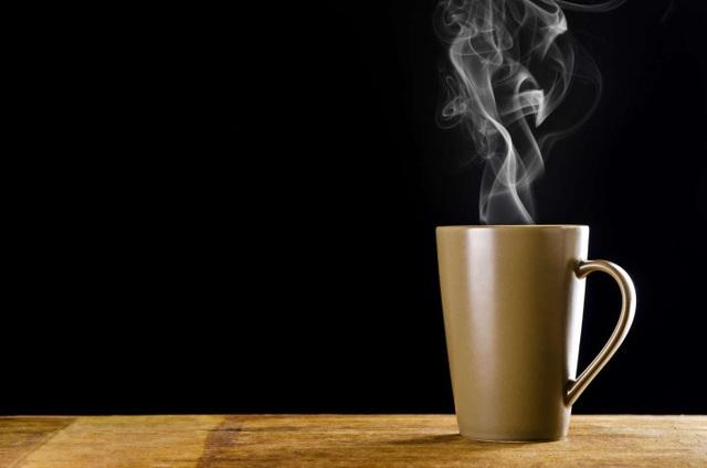 6 lợi ích của việc uống nước nóng - 1