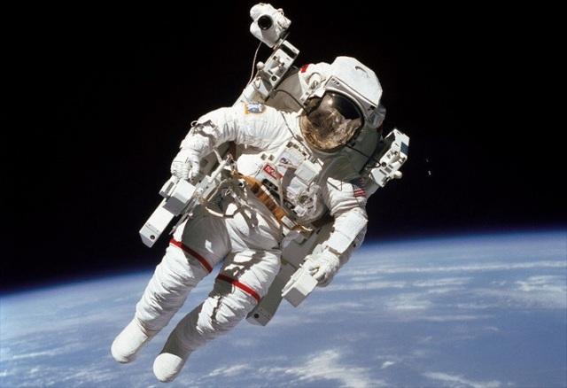 Giải pháp ngăn ngừa loãng xương cho phi hành gia bằng cách…rung chân! - 4