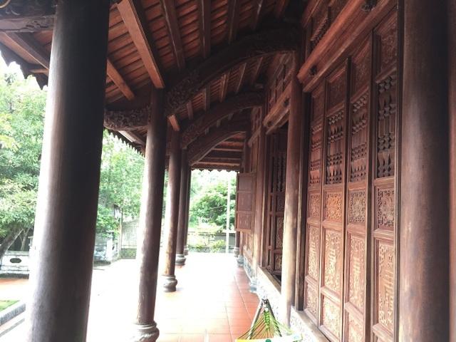 Trầm trồ nhà gỗ bạc tỷ từng bậc nhất miền Bắc - 3