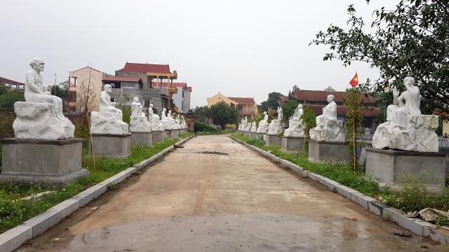 Hà Nội: Hơn chục pho tượng La Hán bị đập phá trong vườn chùa - 1