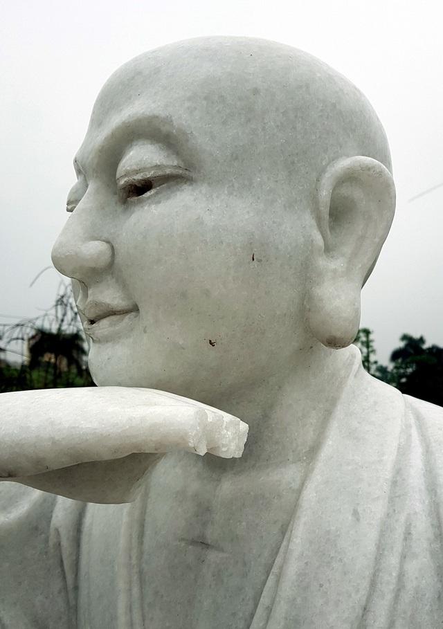 Cận cảnh những pho tượng La Hán trong chùa bị kẻ xấu đập phá - 6