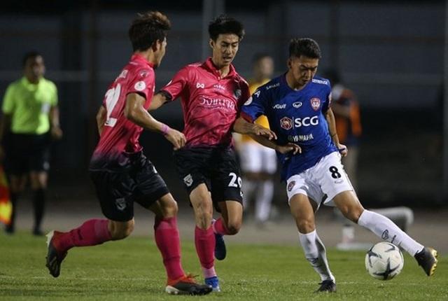 """""""Messi Lào"""" ghi bàn vào lưới Văn Lâm, Muangthong United thua bẽ mặt"""