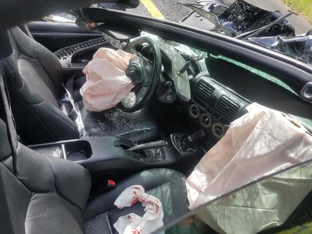 Ô tô bị vò nát sau tai nạn kinh hoàng, tài xế sống sót như một phép màu - 5
