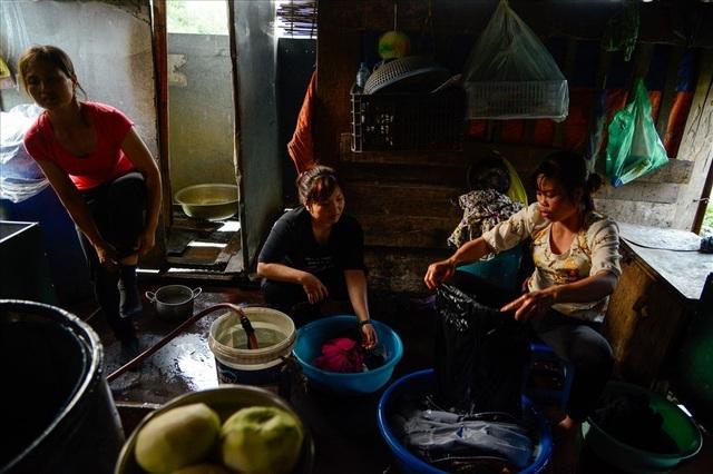 Cuộc sống trên thuyền của người lao động nhập cư tại Hà Nội - 11