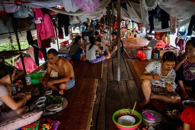 Cuộc sống trên thuyền của người lao động nhập cư tại Hà Nội - 10