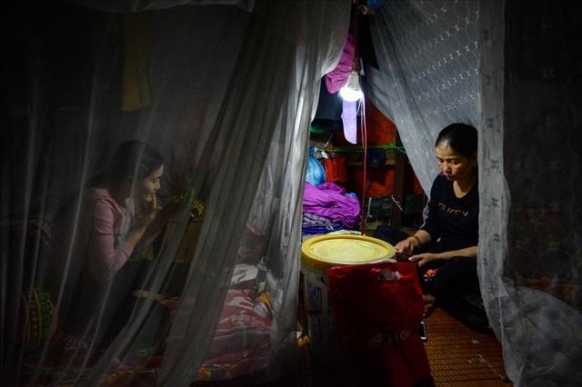 Cuộc sống trên thuyền của người lao động nhập cư tại Hà Nội - 9
