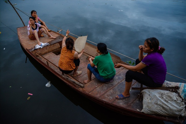 Cuộc sống trên thuyền của người lao động nhập cư tại Hà Nội - 14