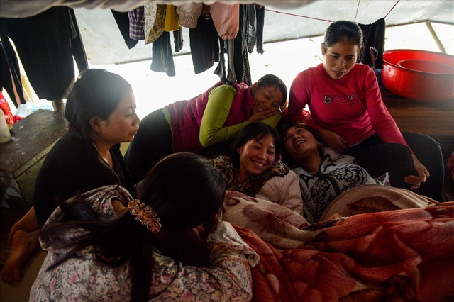 Cuộc sống trên thuyền của người lao động nhập cư tại Hà Nội - 2