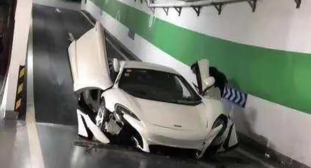Nghi vấn siêu xe McLaren 650S bị toác đầu khi lao dốc xuống hầm là hàng nhái - 3
