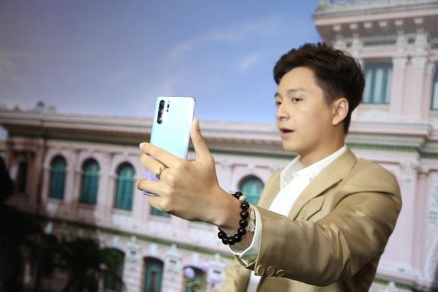 Sao Việt hẹn nhau cùng trải nghiệm Cực phẩm camere trên smartphone - 3