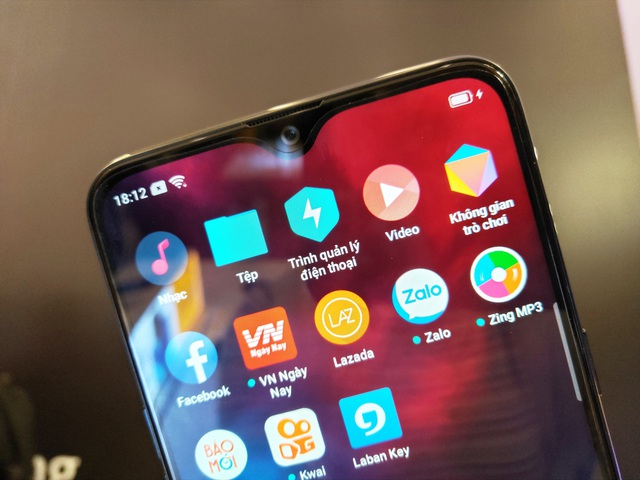 Realme 3 ra mắt, màn hình giọt sương, pin 4230mAh, giá 3,9 triệu - 3