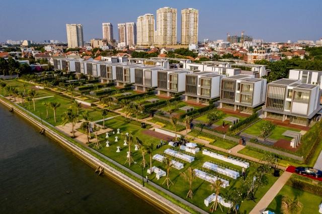 Khắc họa phong cách sống thượng lưu tại biệt thự ven sông Sài Gòn - 1