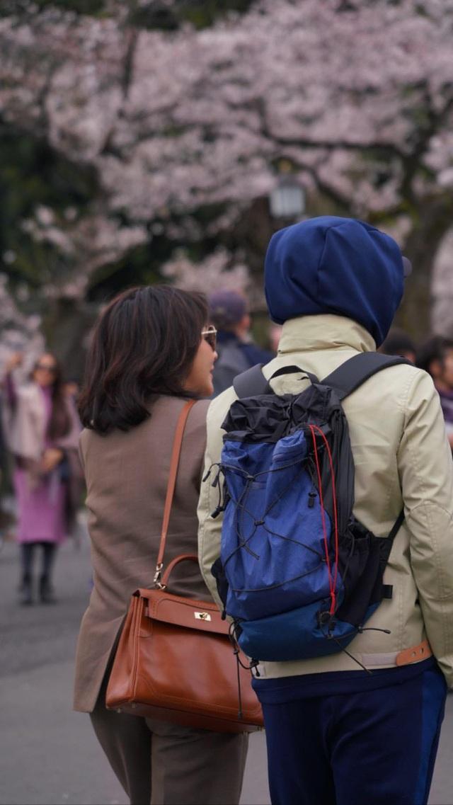 Lưu Gia Linh và Lương Triều Vỹ khoe ảnh đi du lịch - 2