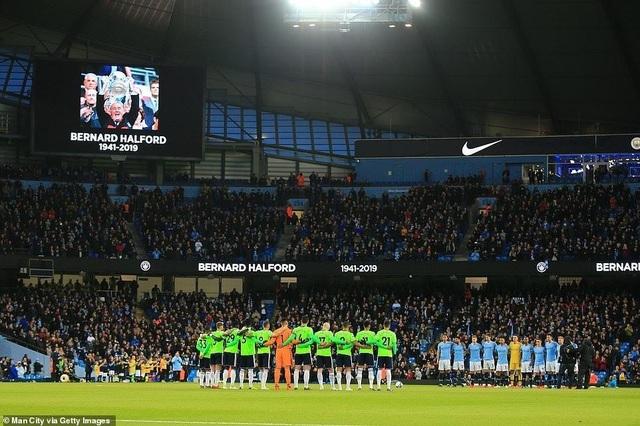 Những khoảnh khắc Man City vượt qua Cardiff để trở lại ngôi đầu bảng - 2