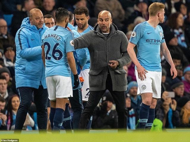 Những khoảnh khắc Man City vượt qua Cardiff để trở lại ngôi đầu bảng - 10