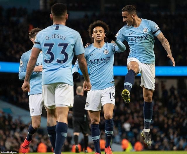 Những khoảnh khắc Man City vượt qua Cardiff để trở lại ngôi đầu bảng - 12