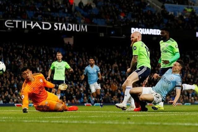 Những khoảnh khắc Man City vượt qua Cardiff để trở lại ngôi đầu bảng - 14