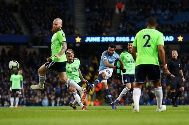 Những khoảnh khắc Man City vượt qua Cardiff để trở lại ngôi đầu bảng - 16