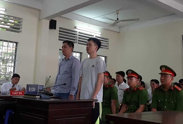Xét xử vụ hai cựu cán bộ công an bị truy tố tội cố ý gây thương tích - 1