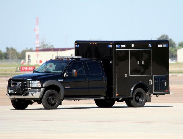 Ngày thường, đoàn xe hộ tống Tổng thống Mỹ Donald Trump di chuyển như thế nào? - 3