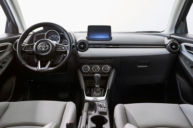 """Toyota """"mượn"""" Mazda2 cho Yaris tại thị trường Bắc Mỹ - 8"""